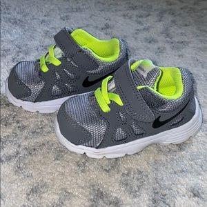 Nike revolution 2 infant shoe